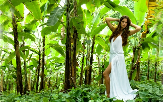 izabel-goulart--jungle-photoshoot-1280x800